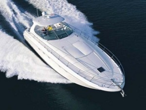 Sea Ray 54 cruising