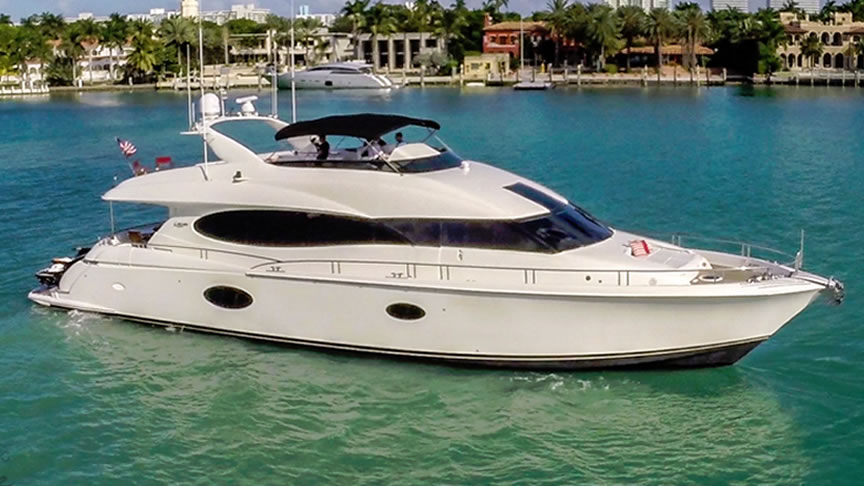 Yacht Charter in Miami Lazzara 84 ft