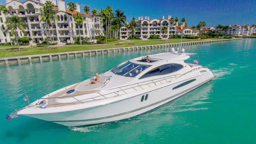 Yacht Charter in Miami Lazzara 75 ft