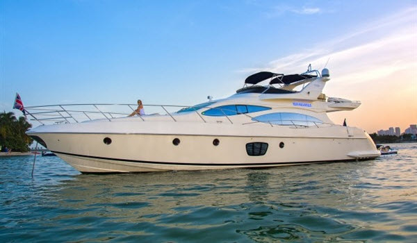 Yacht Charter in Miami Azimuth 68 ft