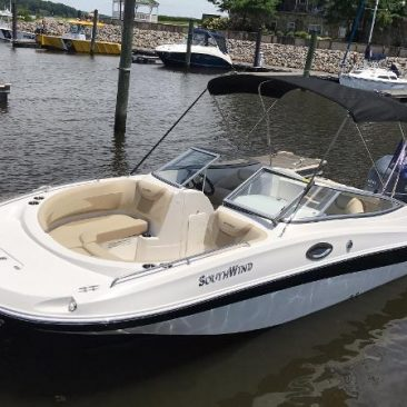 Rent this beautiful SouthWind Deck Boat